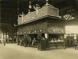 [Central Railway Station, Sydney - snack bar on Assembly Platform] 1920s
