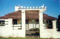 PILOT HOUSE URUNGA 2000