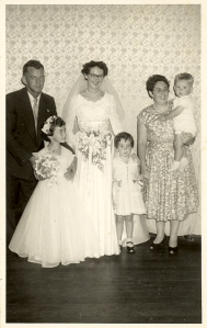 57 betty's wedding w the sanders